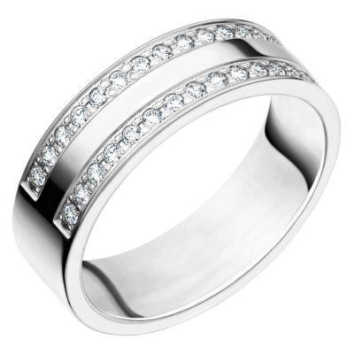 Ring i 18K vitguld med 0.30 ct diamanter.