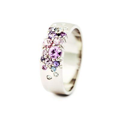 Vigselring Keto 6mm med diamanter och safirer.